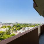 バルコニーからの眺望。10階からの眺めをお楽しみいただけます。