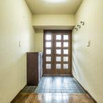 玄関、廊下の幅には余裕があります。(玄関)