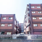 イグレットNO.1は猫実川沿いのマンションです。(外観)