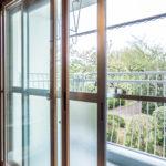 2階南側洋室の窓。断熱、遮音に優れたインナーサッシが施工されています。(子供部屋)