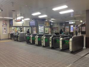 001新浦安駅大きい改札