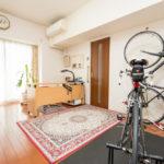 余裕ある広さがある洋室9帖。居室部分とウォークインクローゼットの窓は断熱に優れた2重サッシです。(寝室)