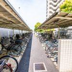 アールフォーラム新浦安の駐輪場は屋根付きです。