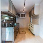 家事動線に優れた2WAYキッチン。収納スペースも豊富です。(キッチン)