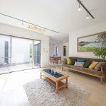 浦安市日の出2丁目一戸建て(碧浜)のご紹介です。空室のためゆっくりと室内をご覧いただけます。(居間)