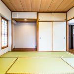和室には押入れと床の間が付いています。(寝室)