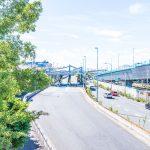 首都高速湾岸線、舞浜入口まで2km。