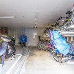 モアグランデ舞浜の自転車置場とバイク置場には屋根があります。