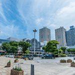 買い物施設、病院、銀行などが揃った新浦安駅前。(周辺)