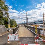 舞浜2丁目から舞浜駅へは歩道橋を利用して信号待ちなしで行くことができます。(周辺)