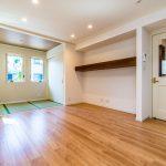 空室のため、室内をゆっくりとご覧いただけます。LDKは広々17.5帖あります。(居間)