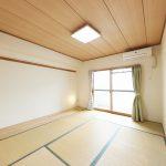 北側バルコニーに面した和室2。(寝室)