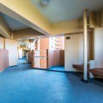美浜東エステートの共用廊下。