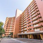 美浜東エステートは日本総合住生活がしっかりと管理しているマンションです。(外観)