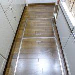 1階住戸なのでキッチンには床下収納が付いています。(キッチン)