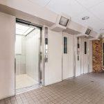 エレベーターは3基あるのでスムーズに昇降できます。