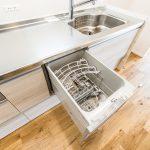 毎日の家事をサポートしてくれる食洗機付きキッチン。(キッチン)