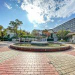 入船西エステートの広場には噴水があります。夏祭りなどのイベントが行われています。(周辺)
