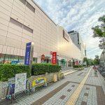 銀行、スーパー(イオンスタイル)、専門店が営業しているモナ新浦安まで徒歩2分。(周辺)