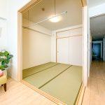 リビングに隣接した和室。リビングの延長や個室として利用できる居室です。(内装)