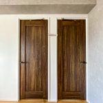 リビングに隣接した洋室3は入口が2つあります。室内に壁を設けてお部屋を分けられます(要別途費用)。(居間)