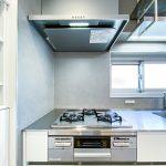 キッチンのコンロはお料理の幅が広がる多機能付きコンロです。(キッチン)