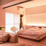 間接照明が設置されたゆっくりと寛げる寝室。(寝室)