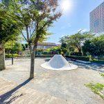 入船中央エステートの敷地内にはお子様が走り回ることができる広場や公園があります。(周辺)