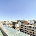 ルーフテラスからの開放的な眺望。