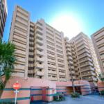 2000年築。伊藤忠都市開発・有楽土地が分譲した大型マンション。(外観)