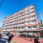 市川市香取2丁目、ソシアル行徳のご紹介です。7階建て、南西向き、最上階。眺めの良いお部屋です。(外観)