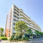 富岡エステートは日本総合住生活がしっかりと管理しているマンションです。(外観)