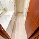 洗面室と廊下には段差がありません。(内装)