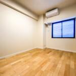 床暖房とエアコンが設置された洋室1は6帖のスペースがあります。(寝室)