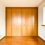 3階洋室の間には可動間仕切りがあります。(寝室)