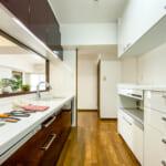 収納スペースが豊富なキッチン。(キッチン)
